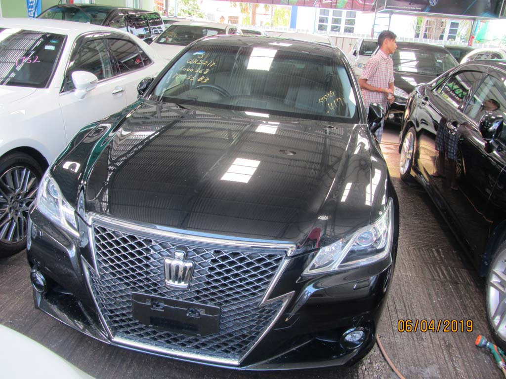 Toyota Crown Athlete SeriesAthlete G 2013 , Used Car for sale in myanmar market and price