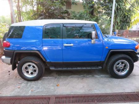 Toyota FJ Cruiser 2011. car for sale in myanmar.