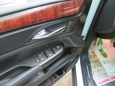 Cadillac SRX 2012 used motor car for sale in Myanmar and price.