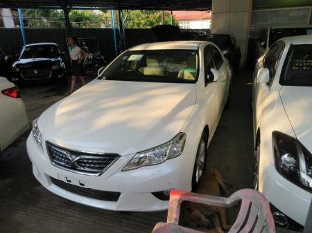Toyota Mark X 2011. car for sale in myanmar.