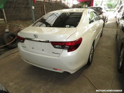 Toyota Mark X 2013. car for sale in myanmar.